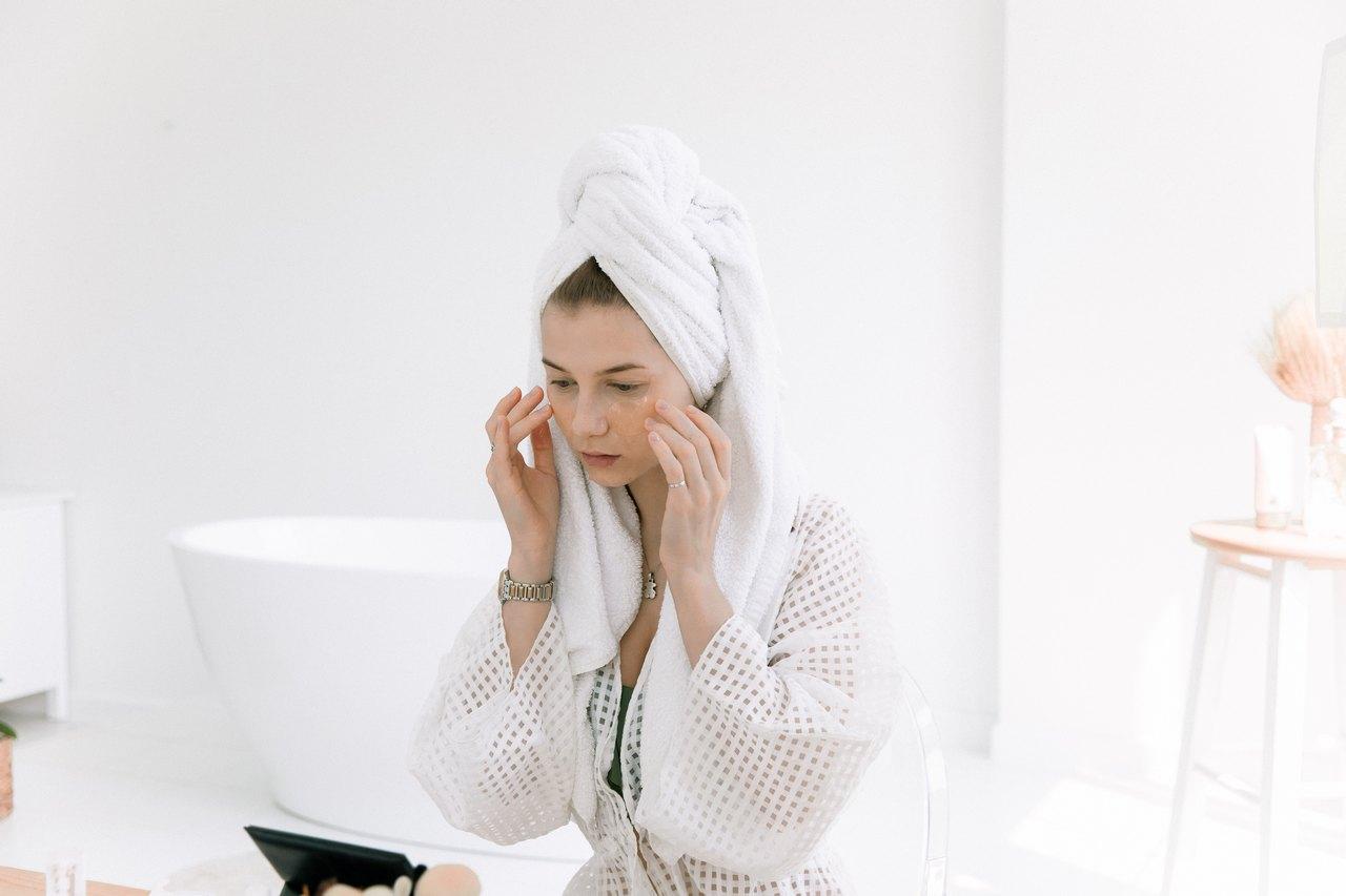 化妝教學QA 化妝臉出油問題 不同膚質控油的方法