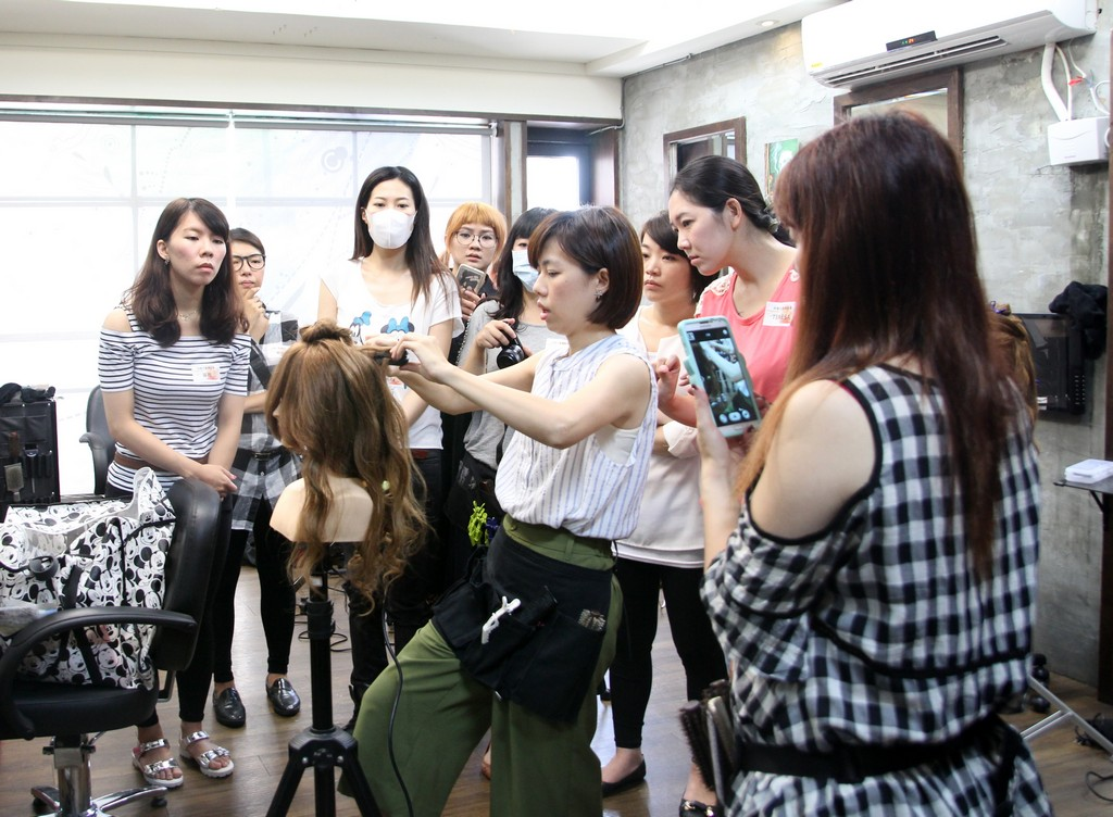 新娘秘書妝髮社團